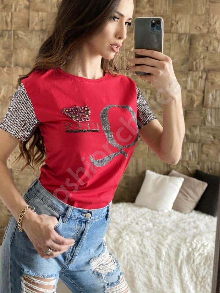Bluza moderna cu inscris Queen-rosu Cod 2004